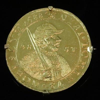 Zeldzame gouden munt, 28 stuiver, florijn, 1688 in 14 krt gouden montuur